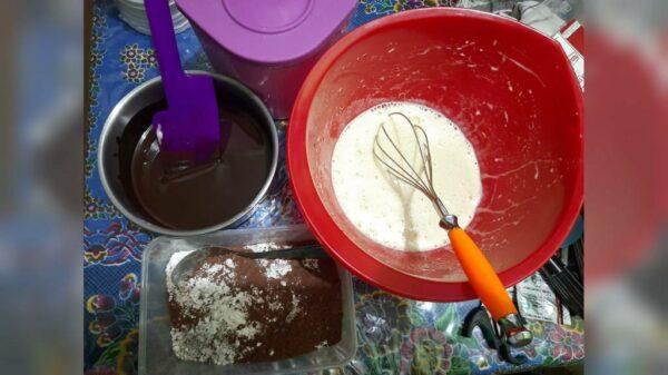 Pembuatan Fudgy Brownies - Eenn's Bakery - Mojosari Rejo Gresik, eMBe UMKM, UMKM GKJW