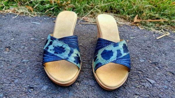 Sepatu Shibori Indigo Kombinasi Enceng Gondok - Sabda Batik - Jombang, eMBe UMKM, UMKM GKJW.org