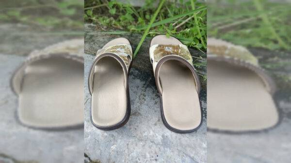 Sandal Ecoprint Pria - Sabda Batik - Jombang, eMBe UMKM, UMKM GKJW.org
