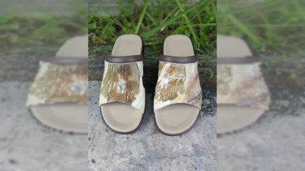 Sandal Ecoprint Pria - Sabda Batik - Jombang, eMBe UMKM, GKJW